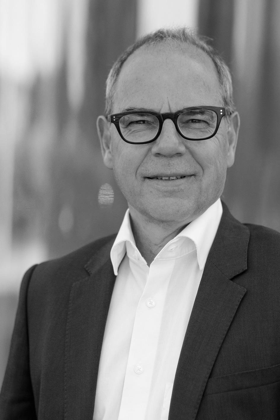 Dr. Uwe Nickel